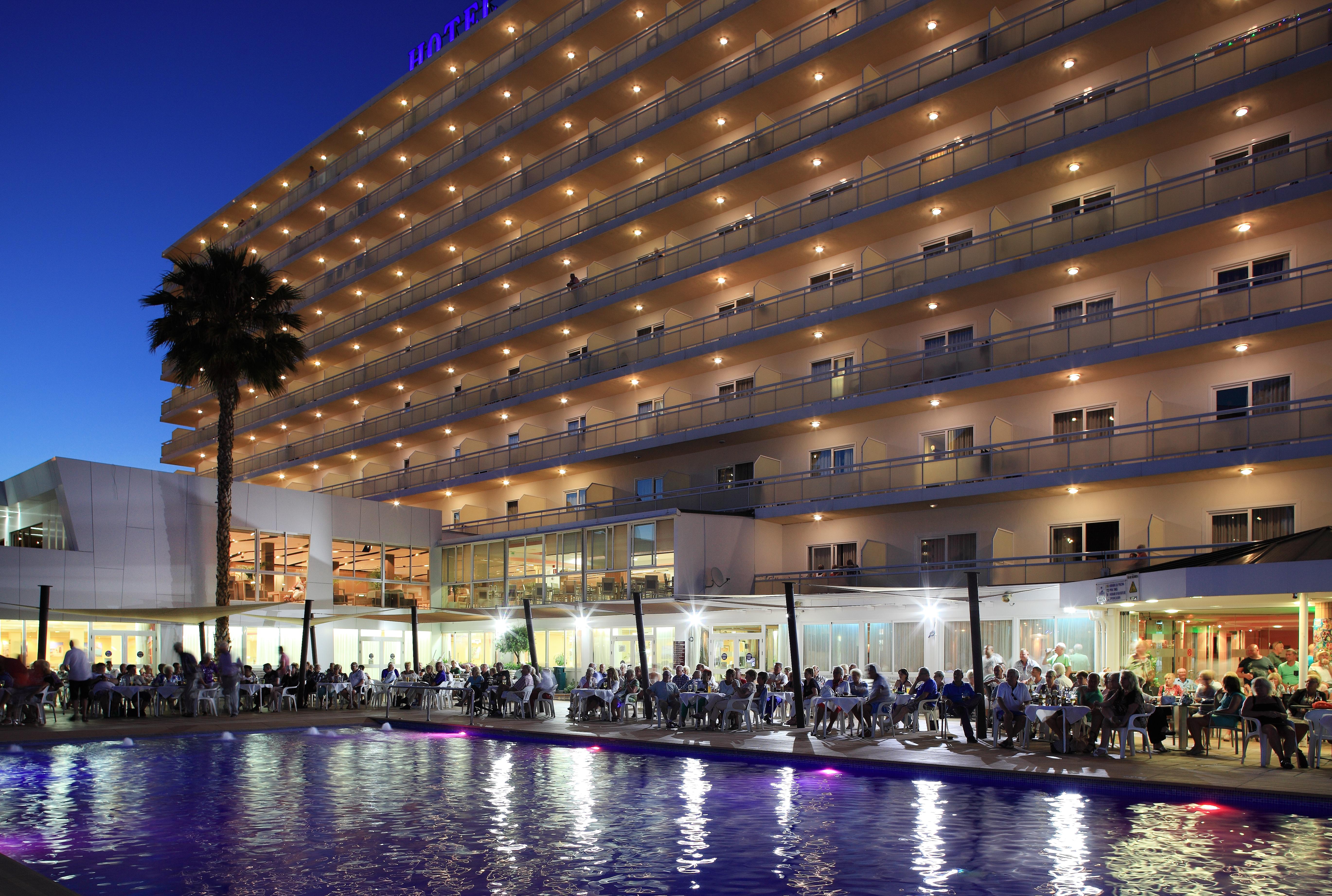 HOTEL HELIOS BENIDORM PISCINA TERRAZA NOCHE